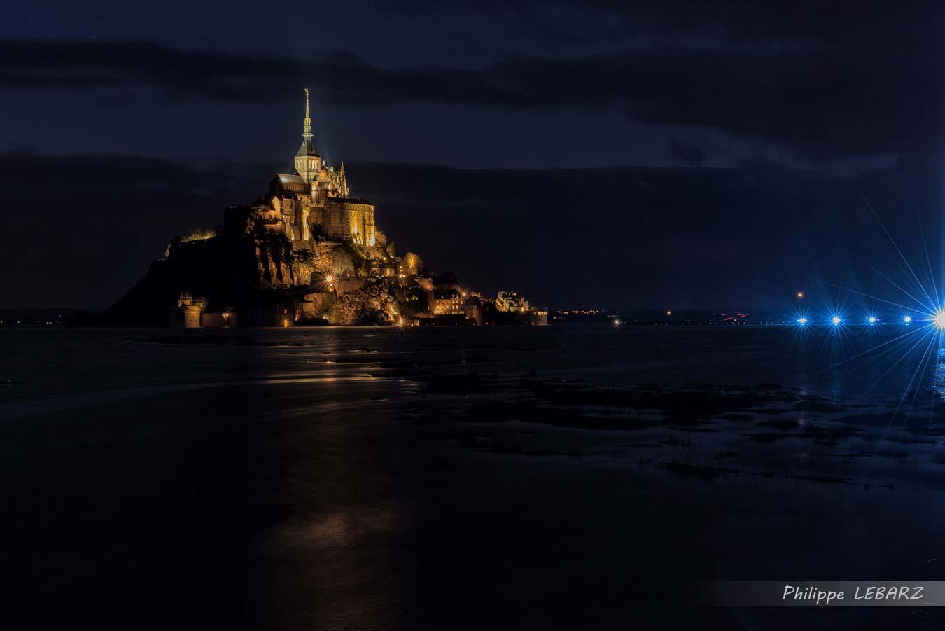 La Grande Marée - Mont Saint-Michel - Vue de Nuit - Eclairage Marée du Siècle
